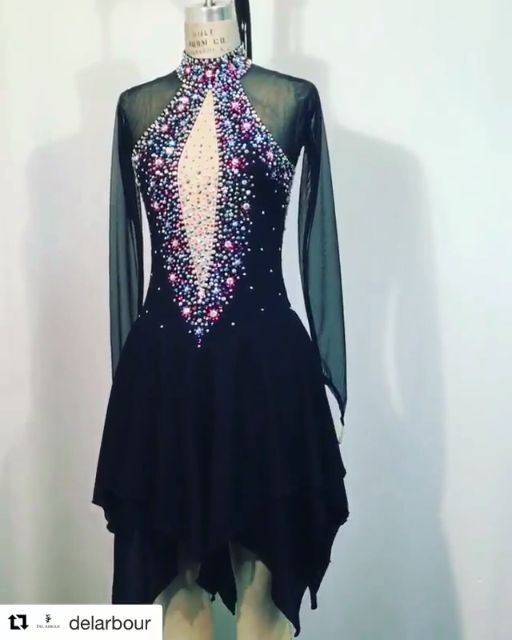 OFFICIAL DEL ARBOUR Visit us @www.delarbour.com / instagram @delarbour Made With Swarovski Crystal - Figure Skating Dress