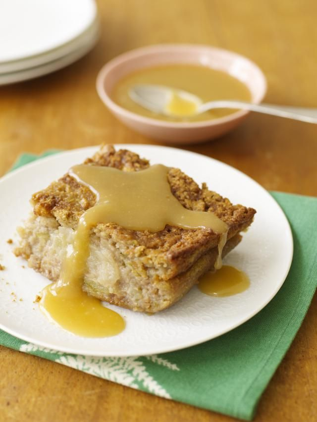 This old-fashioned baked pudding is made with apples, butter, brown sugar, and other ingredients. A cake-like apple butterscotch pudding.