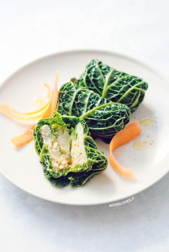 Meravigliosamente buoni, leggeri e con pochissimi grassi! Involtini di verza: vegetariani, con merluzzo o completamente vegan. Ricetta semplice ed economica
