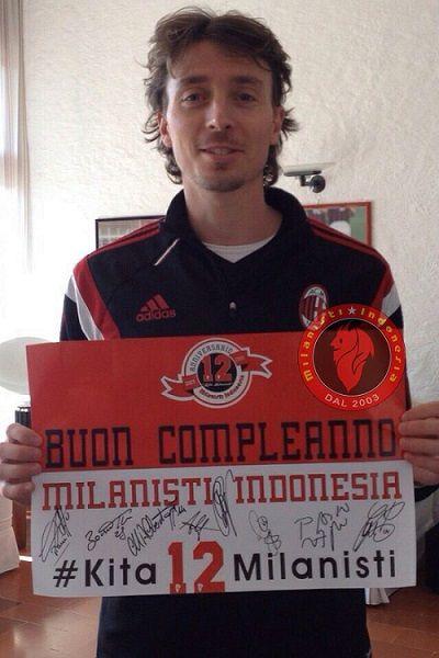Penggawa AC Milan amat peduli dengan pendukung mereka di seluruh dunia, termasuk di Indonesia. Ini dibuktikan saat Milanisti Indonesia berulang tahun yang ke-12.