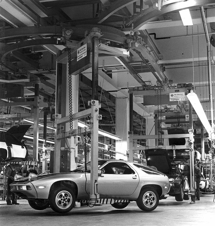 Porsche 928 factory