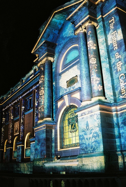 NSW State Library, Sydney, during Vivid Sydney / via Flickr.