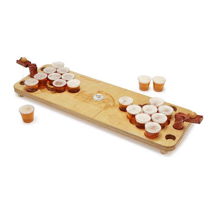 MINI BEER PONG!! Need to register for this as a wedding gift. ;)