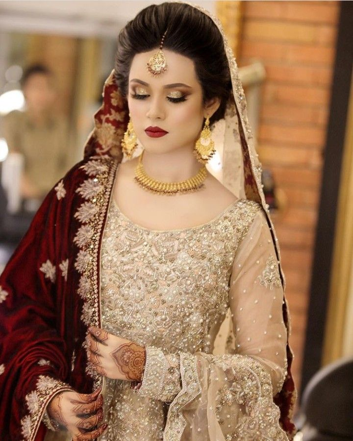 White And Gold Always A Winner Pakistani Brides Red Bridal