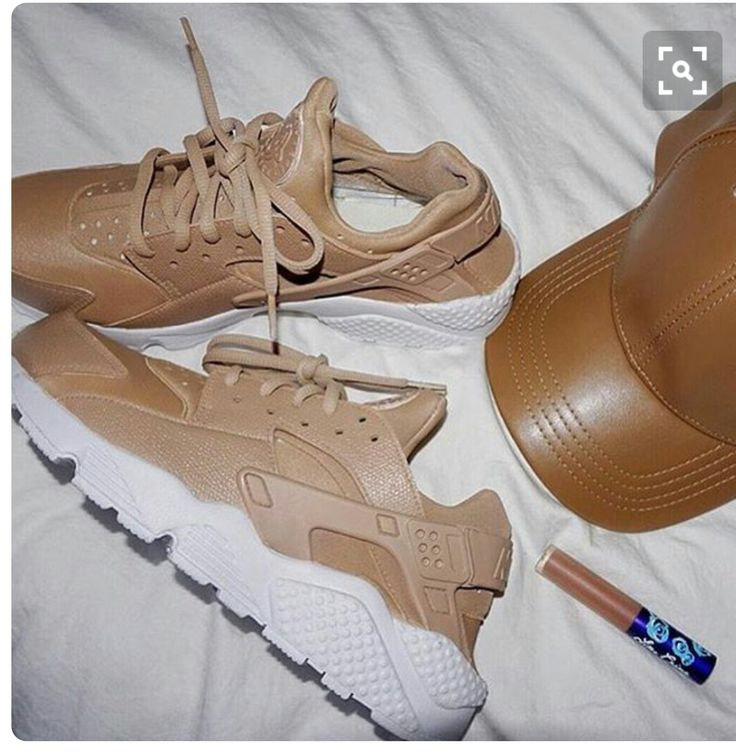Huaraches  (found this from another pinner but I screen shot it and cropped out person so I don't know who this belongs to)