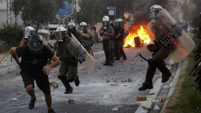 Greek police forces have clashed with anti-fascist demonstrators in Athens.