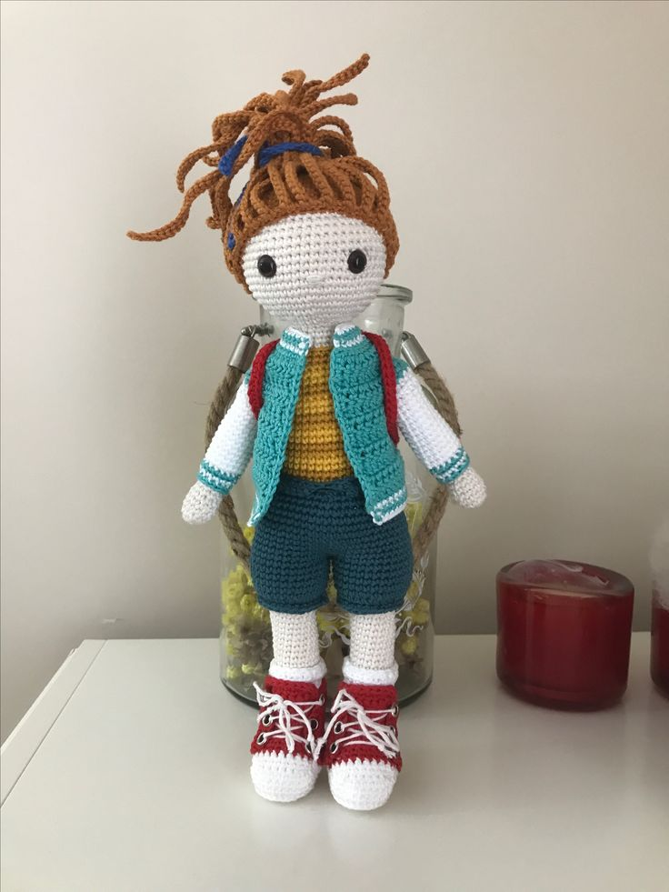 College Girl Amigurumi Pattern by @amidemic (Instagram )