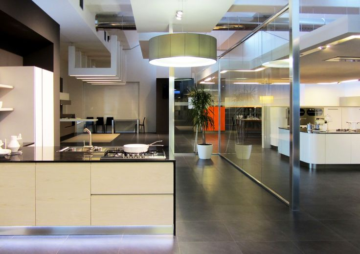 Exposition space kitchens #Exposition #Tablino #kitchen  Spazio espositivo cucine