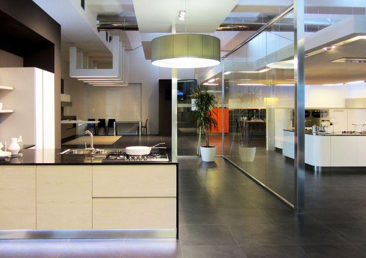 Exposition space kitchens #Exposition #Tablino #kitchen  Spazio espositivo cucine