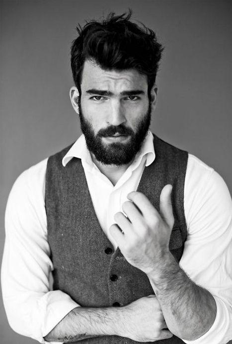 Le veston pour homme devient un nouvel habit chic qui va finaliser une tenue. Qu…...