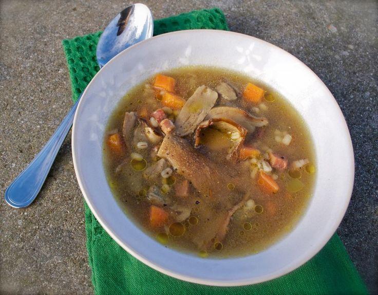 Zuppa di orzo con funghi porcini