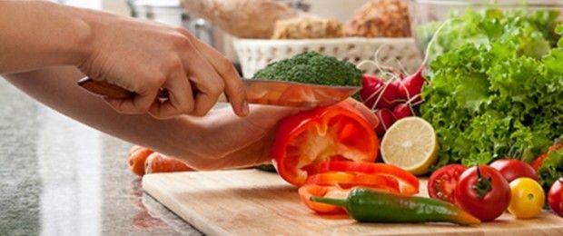 Avec ces menus proposés par le Dr Jean-Michel Cohen pour déstocker au niveau du ventre, des cuisses et des fesses, toutes les journées sont interchangeables. Le déjeuner et le dîner peuvent aussi être inversés.