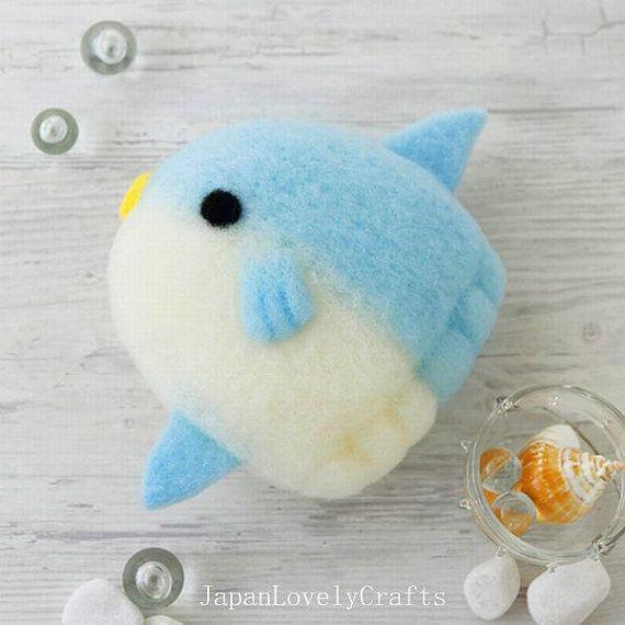 Kawaii Sunfish Cleaner - Japanese Needle Acrylic Fiber Felt DIY Kit - Yoko Ohko - Hamanaka Aclaine Felting - JapanLovelyCrafts