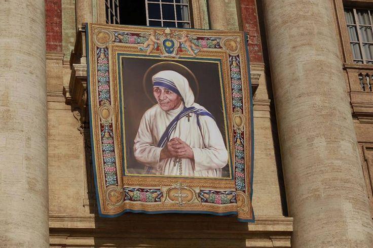St Teresa of Calcutta (With images) Mother teresa, Ewtn