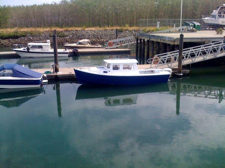 Has amateur boat building complete