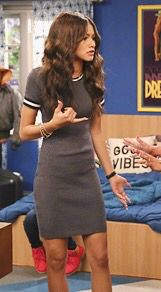 Zendaya dress... I actually might like thiss!