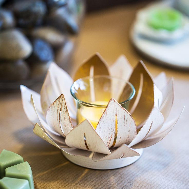 The Gilded Lotus Flower Holders are like a little ray of sunshine in the PartyLite office today! :) http://www.partylite.co.uk/online-shop/shop-online-now.html