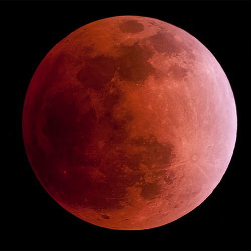 Observa el eclipse lunar del 15 de abril con GLORIA