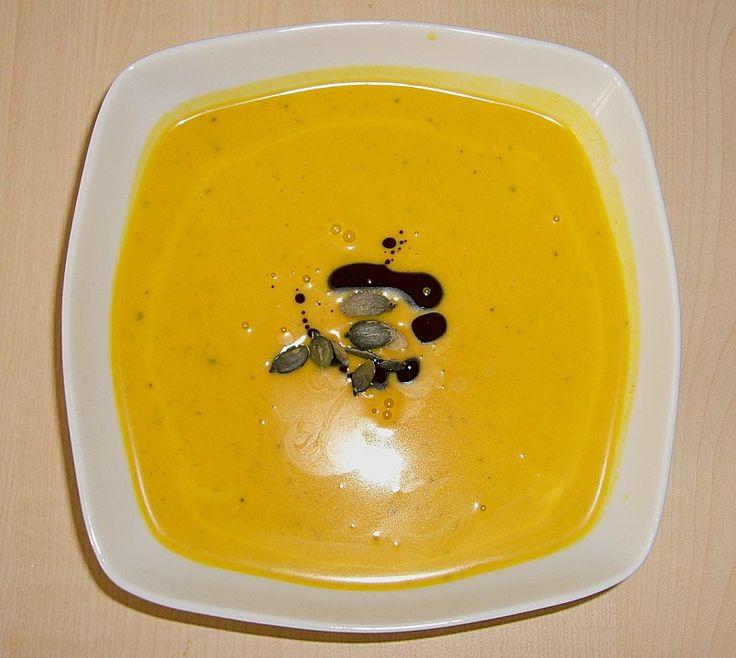 Kürbis - Kokos - Suppe mit Curry, ein sehr leckeres Rezept aus der Kategorie Gebundene. Bewertungen: 14. Durchschnitt: Ø 4,5.