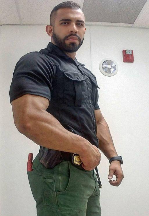 Guy in uniform gets dick served