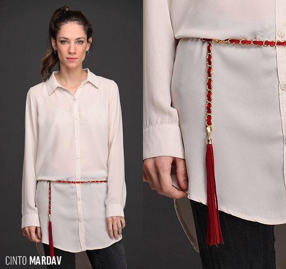 El Cinto Mardav, de metal con detalle de cinta y terminal de flecos en gamuza, reúne dos grandes #tendencias de invierno. ¿Cómo lo usarías? Mirá los colores disponibles.