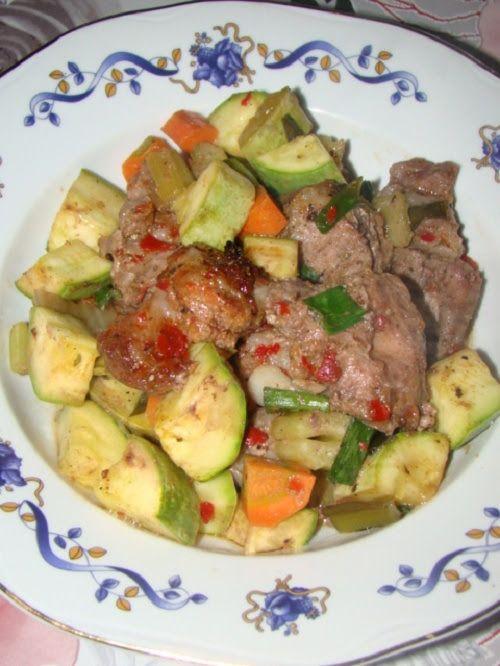 Carne cu legume la cuptor