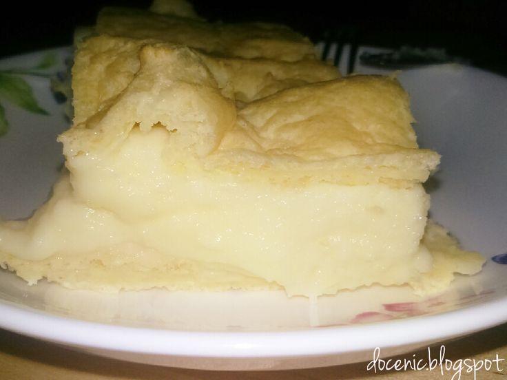 Dawno nie jadłam takiego prawdziwego ciasta z jakimś kremem. Murzynki, ciasteczka tak, ale nie takie prawdziwe prawdziwe ciasto z kremem.  ...