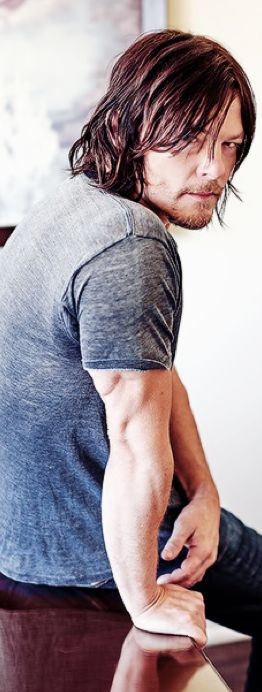 Norman Reedus...just so very.very.distractingly nice arms...swoon...