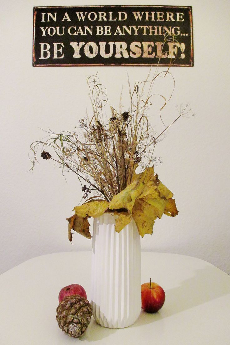 Plucked dried flowers and grass near the lake - Great for a centerpiece here for Halloween/Fall