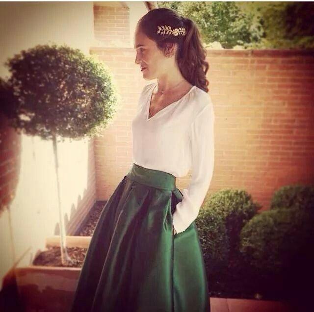 Enamorada de esta falda. Combinable con todo. Un perfecto para estar perfecta en la boda.
