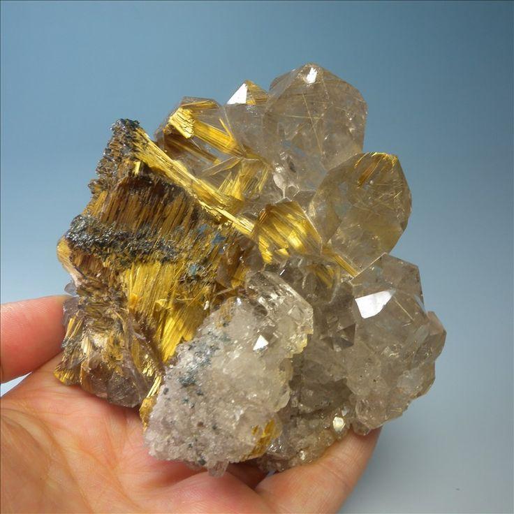 Природный минерал титана кристаллический камень бутик этикетки лаки транспорт минеральной руды образец коллекция украшения