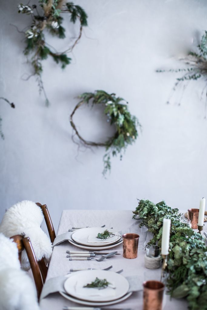 DIY Organic, Minimalist Wreath Tutorial - A step-by-step guide to a beautiful Christmas holiday tablescape & decorations | how to make a wreath | diy christmas decorations | christmas table setting | christmas party ideas | localmilkblog.com | beth kirby | local milk blog | neutral christmas decorations | minimalist christmas table