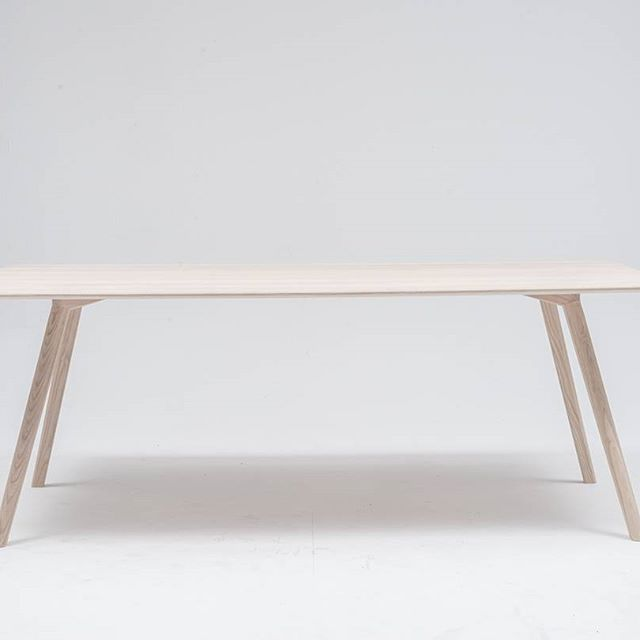 Introducing MEYER. Strong ash wood provides stability and elasticity. A piece of furniture which is long-lasting and modern at once.