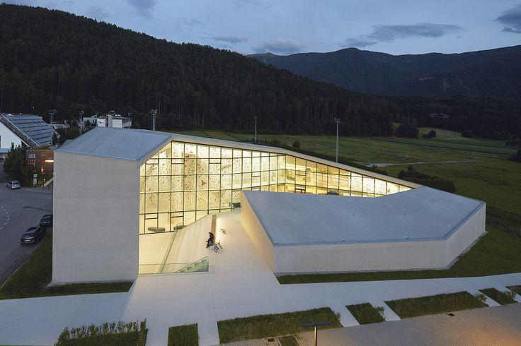 Gebirge hinter Glas: Kletterhalle in Bruneck