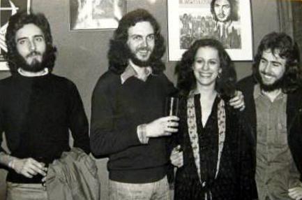Camilo Sesto con compañeros de Jesucristo Superstar 1975