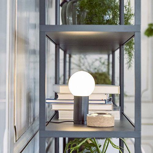 HAY Turn on light is verkrijgbaar in vier kleuren. Mooi subtiel lampje wat je in de kast of  naast het bed kan plaatsen.  Dimbaar door aan de basis te draaien.   emma b. Oudegracht 218 / Hoek Hamburgerstraat Utrecht