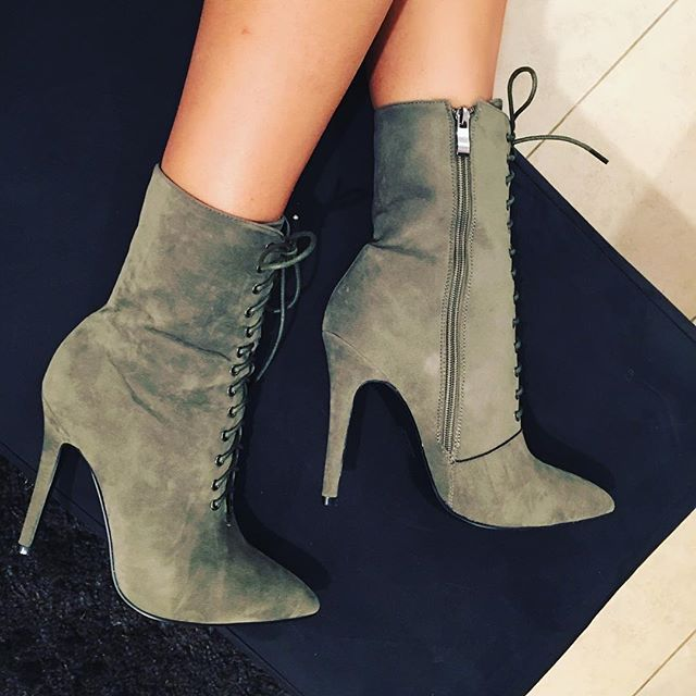 NEW! Kaki suede #xoxo #outfit #newarrivals #highheels #suede #leather