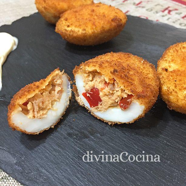 Con esta receta de huevos rellenos empanados preparas de forma fácil unos tradicionales huevos rellenos con un toque diferente, calentitos y sabrosos.