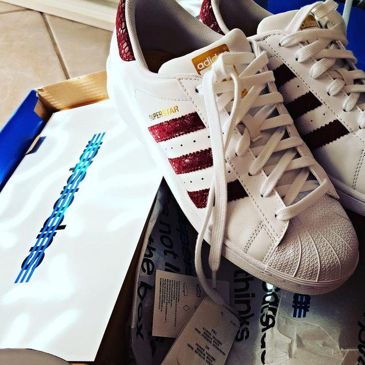 Adidas Superstar Snake bande bordeaux