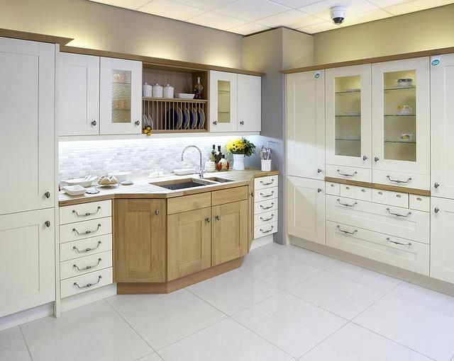 A Broadoak Ivory Shaker Kitchen Design Idea Part 76