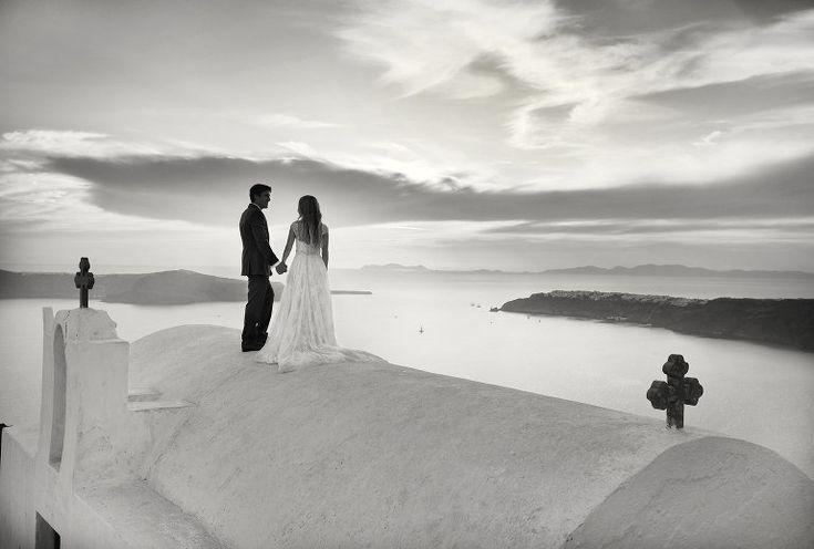 Wedding in Santorini #santorini #santoriniwedding #weddingphotography #imerovigli #bridegroom