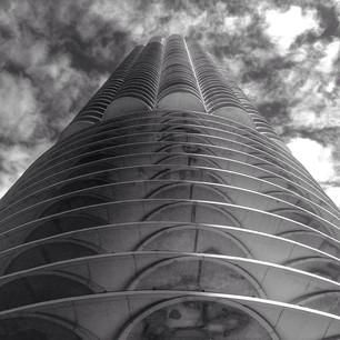 Marina City in #Chicago is both parts stately and dizzying when looking up. Photo courtesy of danielg280 on Instagram.