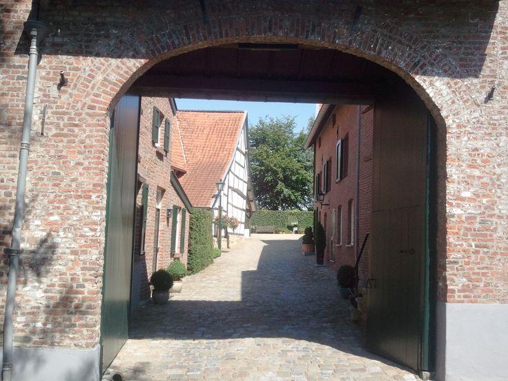 Achter de poort