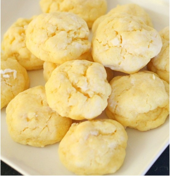 Ooey Gooey Butter Cookies - I have to make these! One of my co workers made it, and I literally have a foodgasm.