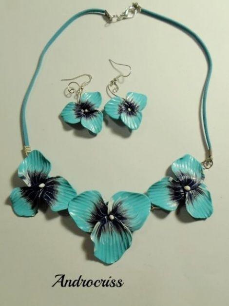 Still blue-set bijuterii