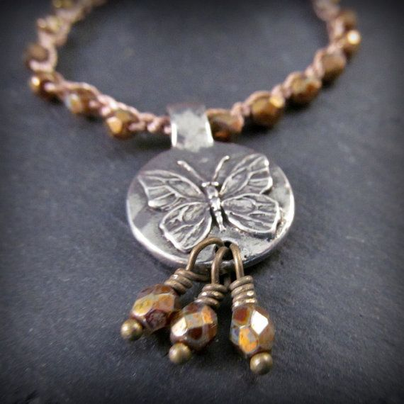 Natuur geïnspireerd sieraden Beaded vlinder ketting  door GlowCreek