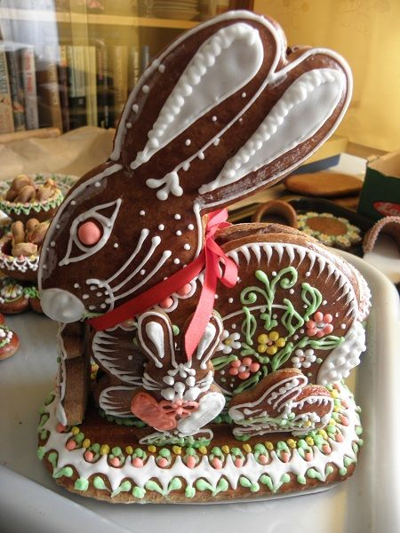 Gingerbread Bunny - Easter decoration and food rolled into one.                                                                                                                                                     More