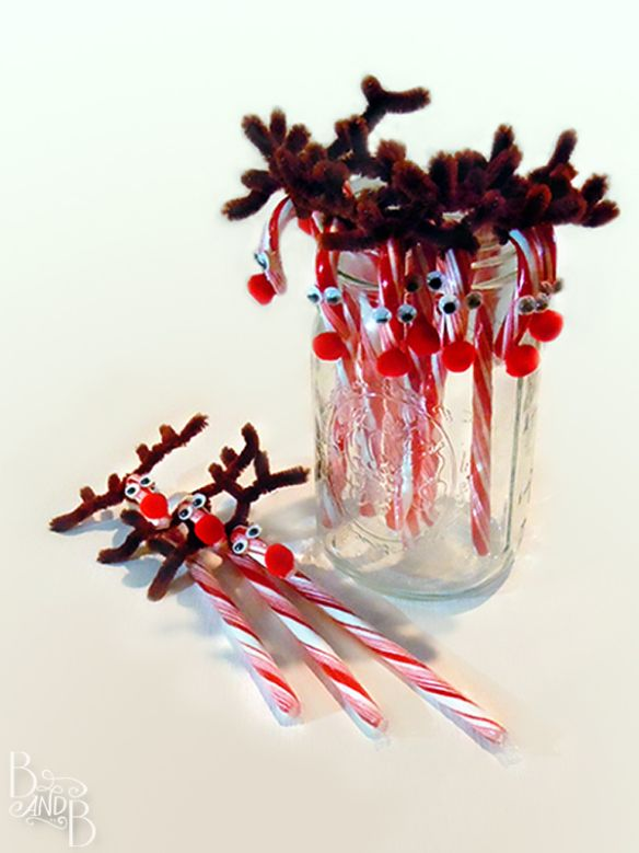 Candy Cane Reindeer Rudolph treat from BandBBuildALife.com