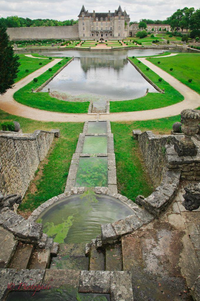 Château de la Roche Courbon, France (by  photopade.)