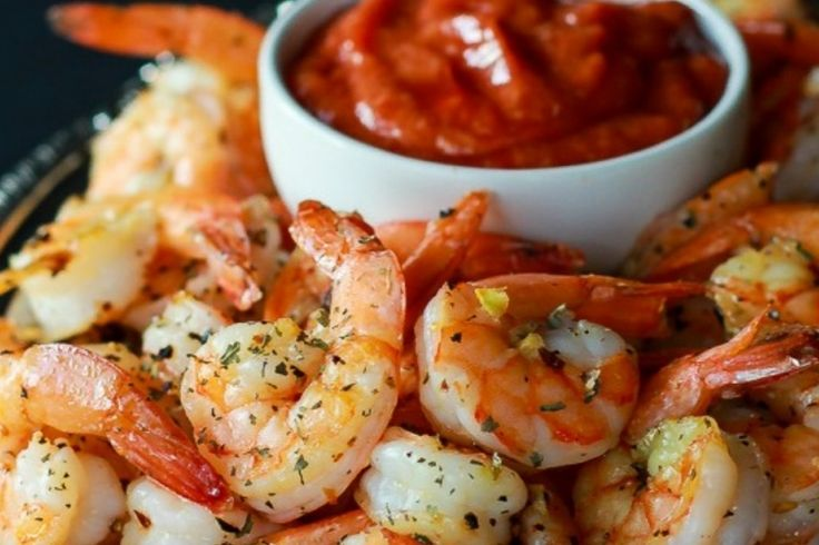 Crevettes grillées à l'ail avec Sauce Cocktail maison...Un seul mot : succulent